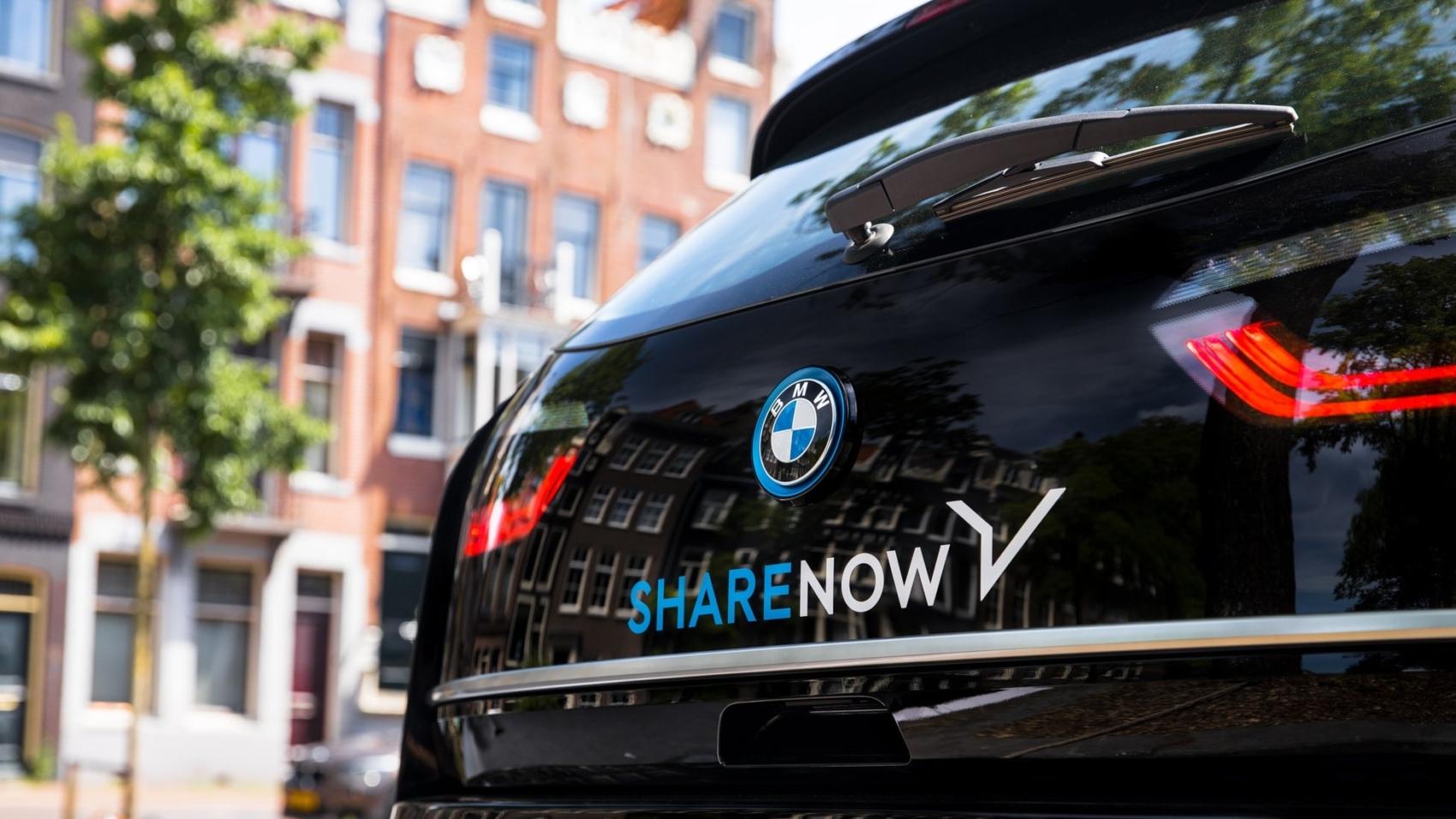 titelbild-autounfall-mit-carsharing-fahrzeug-sharenow